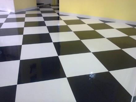 Piso Vinílico Xadrez Branco e Preto em Limeira SP Vender Comprar ... 6101aa42911