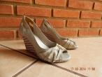 Sapato Peep Toe Creme