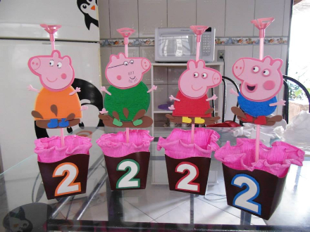 Peppa Pig, Pigs, Center, Google Search, Pastry, Tables