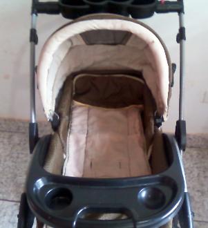Lindo carrinho de bebê