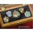 Coleção de Pins das Casas de Hogwarts Noble Collection