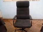 POLTRONA EXECUTIVA C/ mais 02 cadeiras