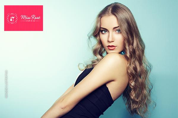 Seus cabelos merecem! Corte + Escova no Miss Rosê - Cabelo, Smalt & Bar, por apenas 39,90.