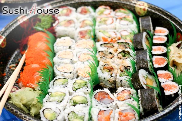 Papai Noel já chegou no Sushi House!! 2 Combos de 30 Peças (60 Peças no Total) por apenas 24,99. Serve até 5 pessoas!